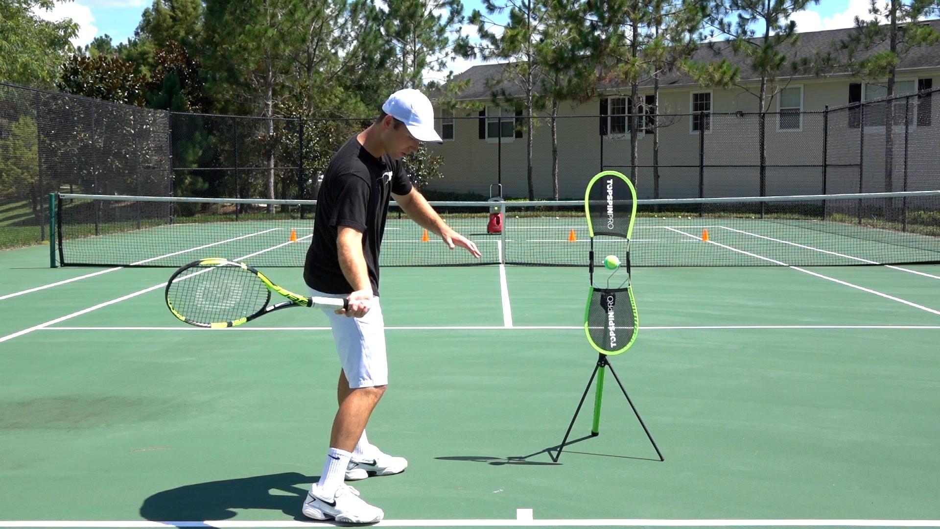 полночь, техника игры большого тенниса в картинках его помощью